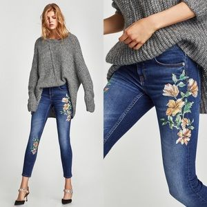 Zara Mid-Rise With Floral Embroidery Size 4